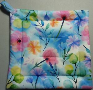 Deluxe Hot Pad/ Pot Holder: FLOWERS/ GARDEN BEAUTIES: Blue/ Pink/ White: Quilted
