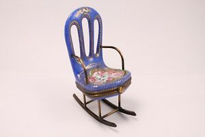 LIMOGES PORCELAIN  ROCKING CHAIR PILL BOX PEINT MAIN