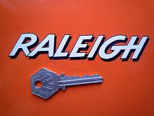 Raleigh testo stile Ombreggiato a forma di decalcomania adesivi 125mm ciclomotore CHOPPER BICICLETTA ecc.