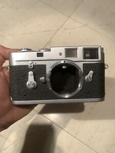 Leica M2 CLAd chrome body with self timer