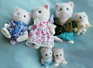 SYLVANIAN  SIX WHITE FURRY  CAT FAMILY CHARACTERS