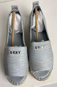 DKNY EMBOSSED CROC WARM GREY