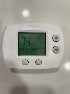 Honeywell Home TH5110D1022 - Non-Programmable Thermostat