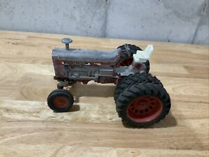 International 1456 Toy Tractor 1/16 Scale