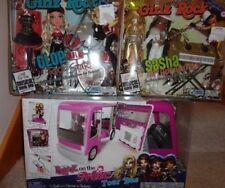 BRATZ ON THE MIC TOUR BUS WITH GIRLZ ROCK CLOE AND SASHA ALL MIBS