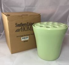 Southern Living at Home Pastel Green ARRANGE IT EASY ROUND VASE with FROG NIB