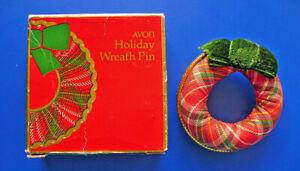 Avon PIN Christmas Vintage WREATH Plaid FABRIC Holiday BROOCH NEW*
