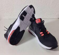 Nike Fitness- & Laufschuhe mit Schnürsenkeln Joggen