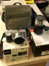 Sony Alpha 6000L 24,3 Mpix Mirrorless Kit con 16-50 mm E 55-200 E Borsa