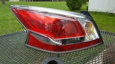 2013-2015 NISSAN ALTIMA TAIL LIGHT OEM LEFT HAND LH SIDE DRIVER . USED