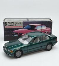 GAMA 2104 BMW 325i 3er (E36) Sportcoupe in grün , 1:24, OVP, K046