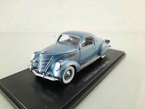 NEO 1/43. Lincoln Zephyr Coupe.
