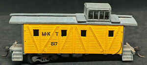 MDC HO: M-KT #817 YELLOW CABOOSE, DIE-CAST, ALL METAL. VINTAGE 1950'S For Repair