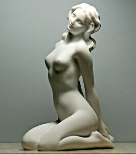Marble Effect Nude Female Sculpture Naked Woman Pose Figurine Statue Gift
