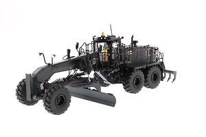 Caterpillar 1:50 scale Cat® Black Onyx 18M3 Motor Grader 85522
