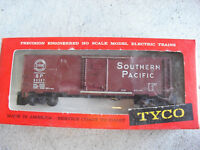 Vintage HO Scale Tyco Southern Pacific SP 84567 Box Car in Red Set Box