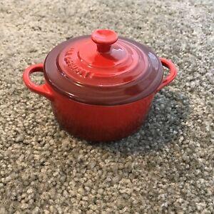 Le creuset mini round cocotte red