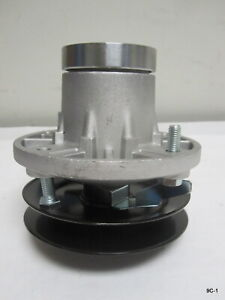 Oregon 82-332 John Deere Spindle Assembly with Pulley for AM108925