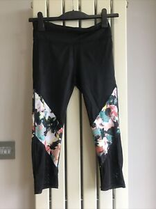 Fabletics Black Size  Small Capri  Exercise Leggings Black Mesh and Floral