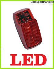 Fanale Posteriore per bicicletta / Attacco al parafango - 3 LED  / BATTERIE INCL