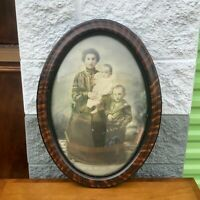 Atq Vintage Oval Frame Convex Bubble Glass Charcoal Drawing of Family Photograph