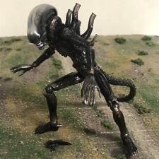 "Kaiyodo Revoltech Sci Fi Horror Alien Aliens Xenomorph Big Chap 6"" Figure"