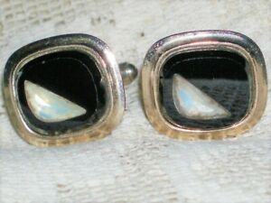 VINTAGE CUFFLINKS BLACK STONE (ONYX?)  WITH SLASH OF OPAL BURIED WITHIN.