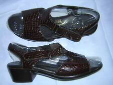 SAS * 9 M * Suntimer Brown Croc Pattern Patent Leather Strappy Slingback Sandals