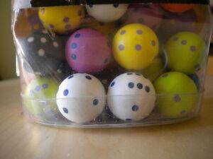 Lotto 7 pezzi Dado Magnete Calamita rotondo colorato dadi Diametro cm 2 nuovo