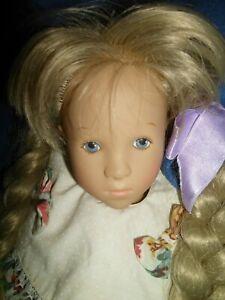 Künstlerpuppe Sylvia Natterer? Mädchen blond, Originalkleidung ca. 52 cm groß