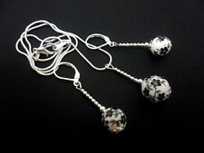 A PRETTY BLACK/WHITE  PORCELAIN BEAD NECKLACE AND LEVERBACK EARRING SET. NEW.
