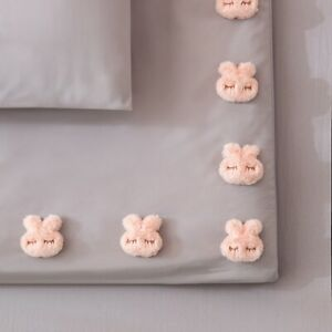 Bed Sheet Clips Non-Slip Fitted Quilt Sheet Holder Clip Bed Sheet Grippers Clip.