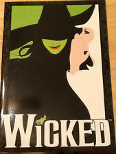 WICKED  BROADWAY SOUVENIR PROGRAM -Idina Menzel* 2011**Mint Condition