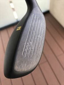 Cobra Speedzone Hybrid, 17 degrees stiff, lightly used