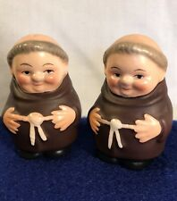 Goebel Friar Tuck Small Salt & Pepper Shaker Set Full Bee stamp in V 2-1/4�