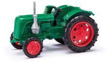 Busch 210004400 - 1/87 / H0 Traktor Famulus Mit Mähbalken - Grün - Neu