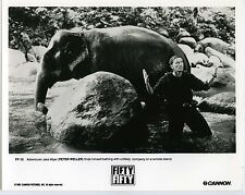 PHOTO PETER WELLER scène du film de Martin Smith FIFTY FIFTY 1991 ELEPHANT