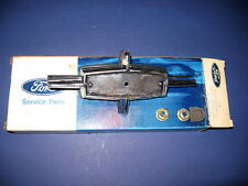 NOS 1970-71 LINCOLN TRUNK LOCK COVER ORNAMENT FLIPPER DOVY6543600A