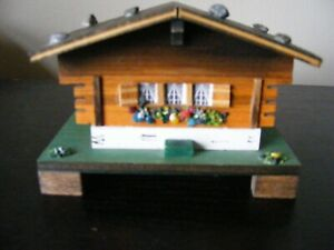 VINTAGE SWISS WOODEN CHALET COTTAGE MUSIC BOX - PLAYS EDELWEISS