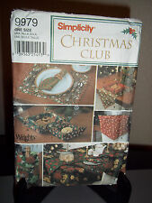 Simplicity UNCUT FF Pattern 9979 Christmas Table Linen Accessories