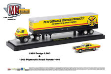 M2 Machines Auto Hauler 28 1969 Dodge L600 and 1969 Plymouth Road Runner 440
