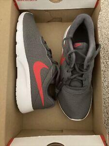 Nike Tanjun Big Kids 818381-020 Dark Grey University Red Shoes Size 5y