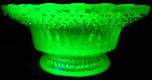 Green Vaseline glass Star dew salt cellar dip candle holder uranium glow diamond