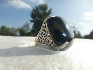Gorgeous LARGE STERLING SILVER Black Onyx RING Size 5 Great design and on