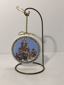 Carolyn Payne Creations Ceramic Christmas Ornament Kansas City Plaza 1992 Clock