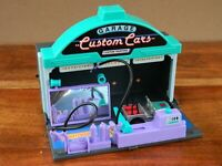 Matchbox Connectables Custom Cars Play Set with Car Retro