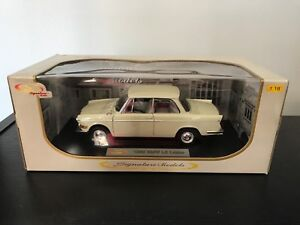 1:18 Signature Model 1962 BMW LS Luxus Sedan CREAM diecast car model NEW!