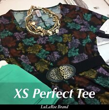 lularoe St Patrick's Outfit Perfect T Black Floral OS Solid Green Leggings