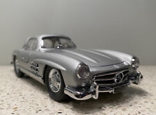 New Listing1954 Mercedes-Benz 300Sl 1/24 Scale Diecast Model Car By Franklin Mint