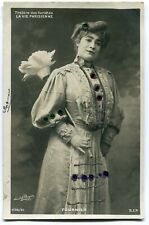 CPA - Carte Postale - Fantaisie - Femme - Belle Robe - La Vie Parisienne (C8621)